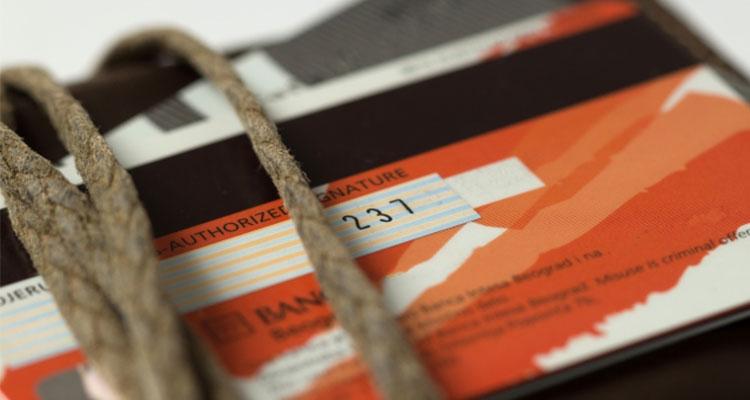 ハイローオーストラリアでは口座凍結理由としてクレジットカードの乱用があるため注意