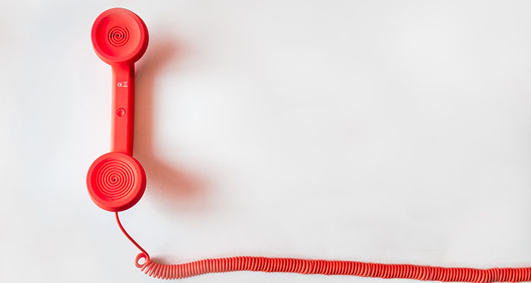電話での問い合わせがメールよりおすすめのシーン