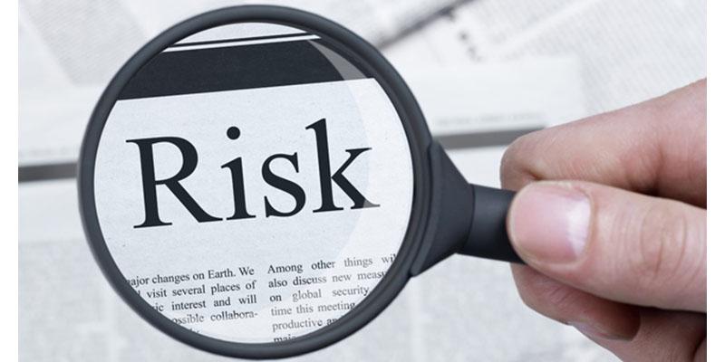 口座凍結や強制解約のリスク