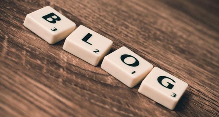 業者のサイトやブログで情報を得る